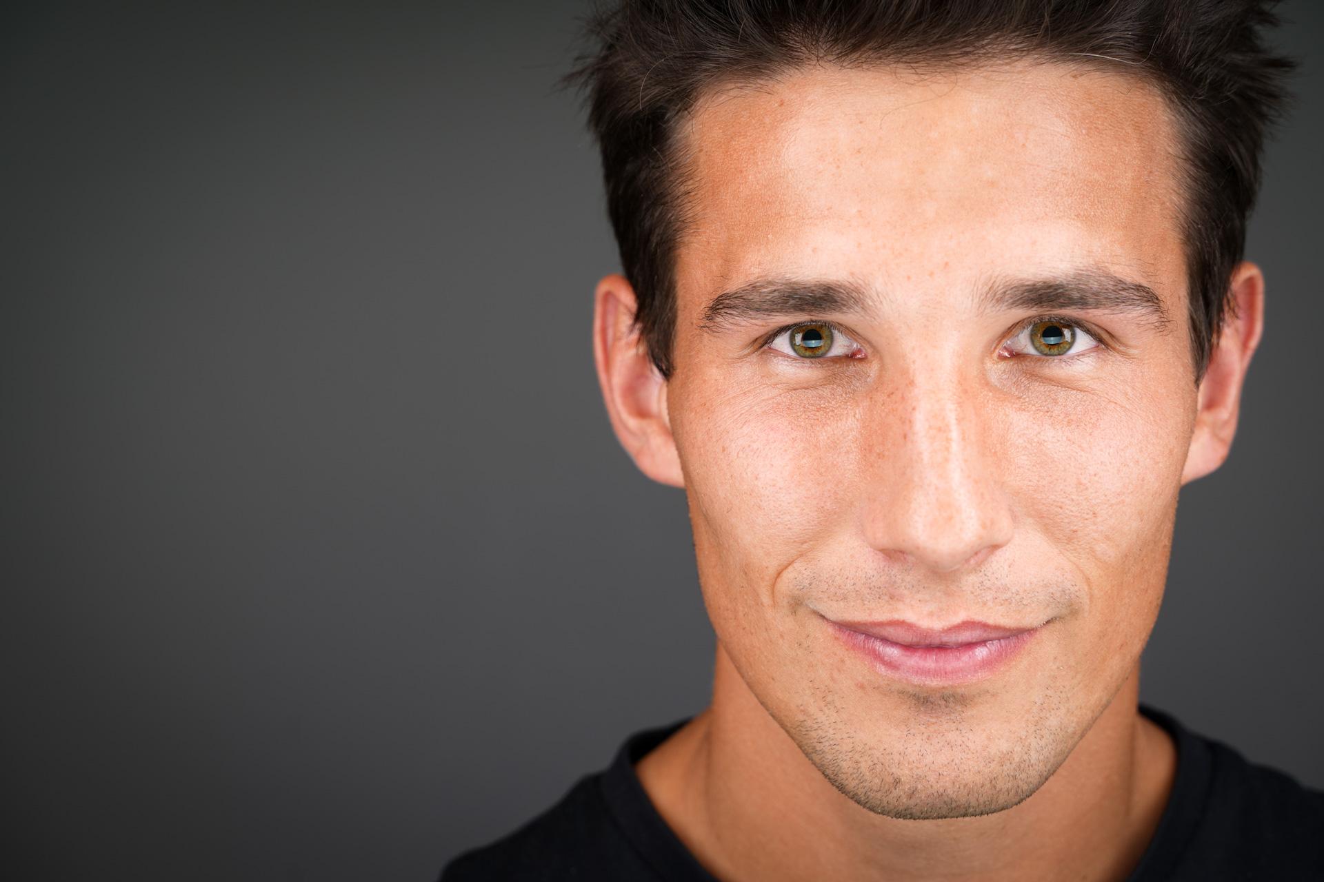, Comment prendre une photo de profil réussie ? 8 astuces clés, Gabriel GORGI, Gabriel GORGI